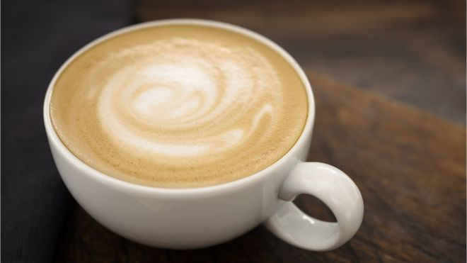 Consumo de três xícaras de café por dia pode trazer benefícios à saúde, diz pesquisa.