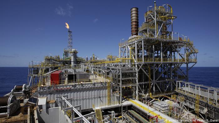 Na contramão do clima, Brasil subsidia indústria do petróleo.